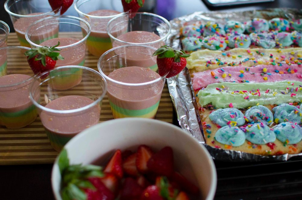 Unicorn Food: Quick and Easy Rainbow Instant Vanilla Pudding